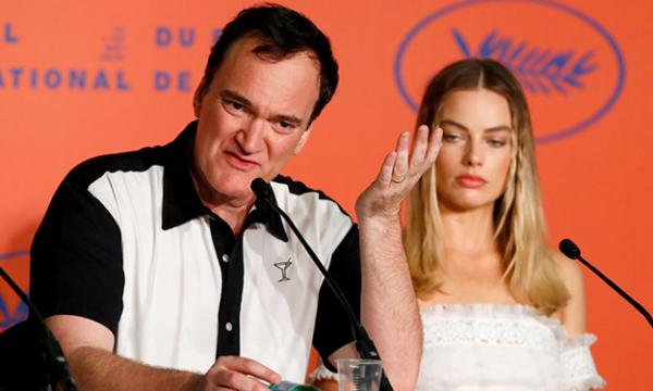 "Quentin Tarantino und Margot Robbie bei der Pressekonferenz zu ""Once Upon a Time in Hollywood"""