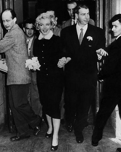 Marilyn Monroe With Joe Dimaggio