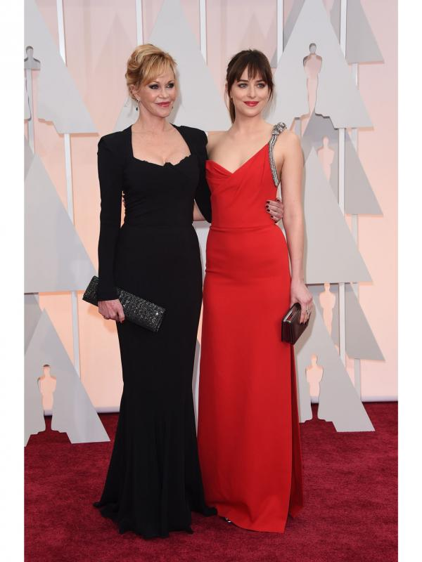 Melanie Griffith Dakota Fanning Oscars 2015