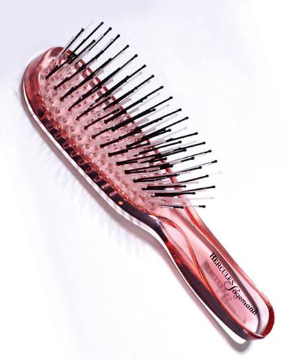 Scalp Brush Piccolo von Guhl by Hercules Sägemann