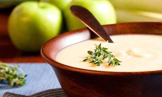 Warme Apfel-Zimt-Suppe